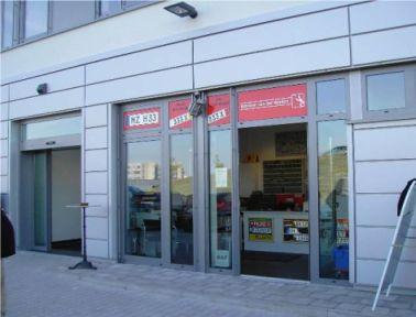 Ladenlokal Mainz offene Tür mit Blick in den Laden